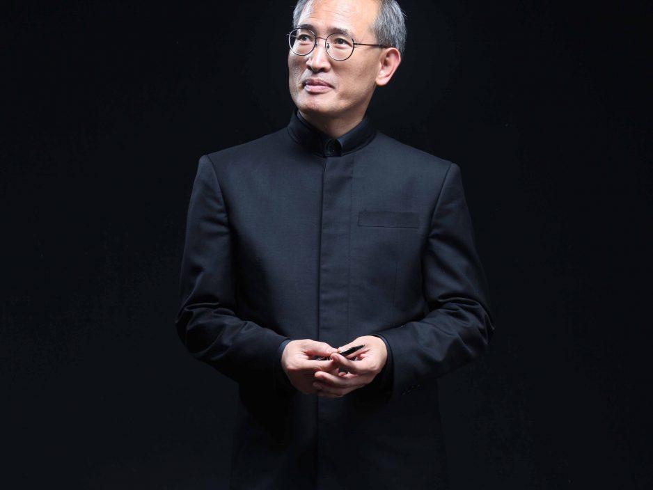НО Тэ Чол - художественный руководитель и главный дирижер оркестра «Пьонг-Тэк филармония»
