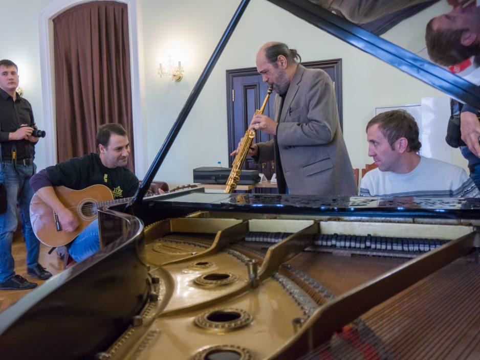 Ни дня без джаза: во Владивостоке начался международный фестиваль