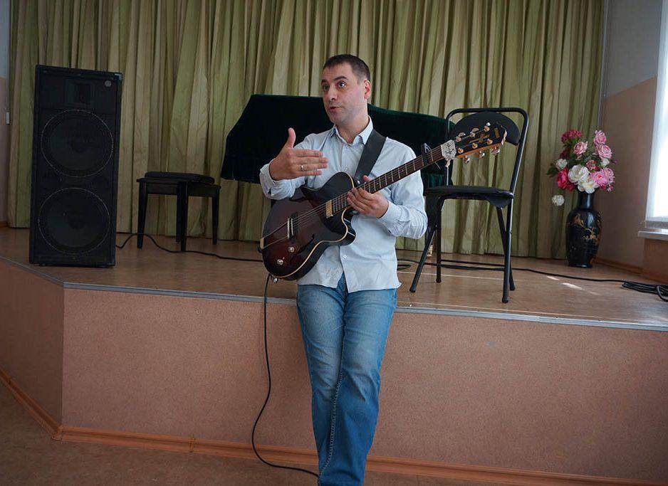 Александр Дьяченко посоветовал ученикам школы искусств не бояться джаза