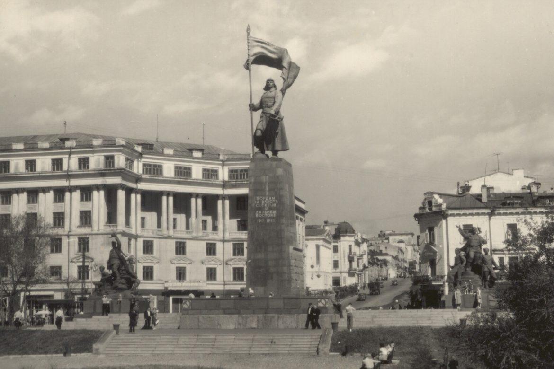 15 апреля «Судьба певицы Марии Савицкой - Маруси Сава».