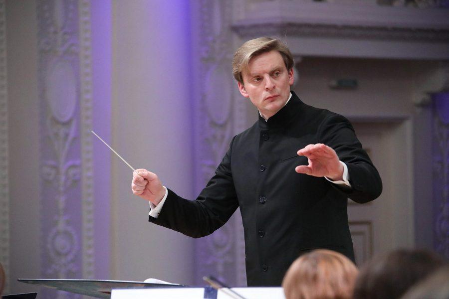 12 апреля Антон Шабуров